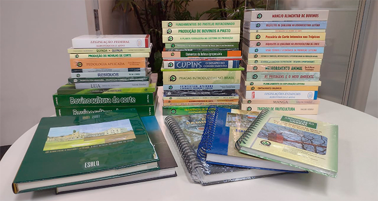 https://fealq.org.br/fealq-doa-livros-para-fundacao-coopercitrus-credicitrus/